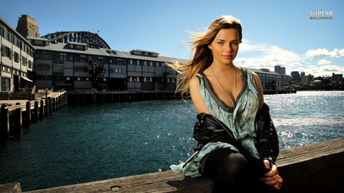Indiana Evans 壁纸 containing a business district titled Indiana Evans