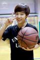 jimin with bola basket