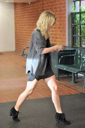 Julianne out in Beverly Hills - January 3rd