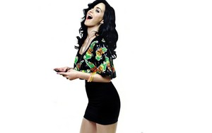Katy Perry in fresh skirt