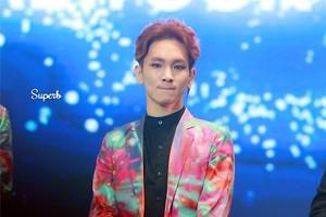 Key new hairstyle @ SHINee Festival tour Hong kong