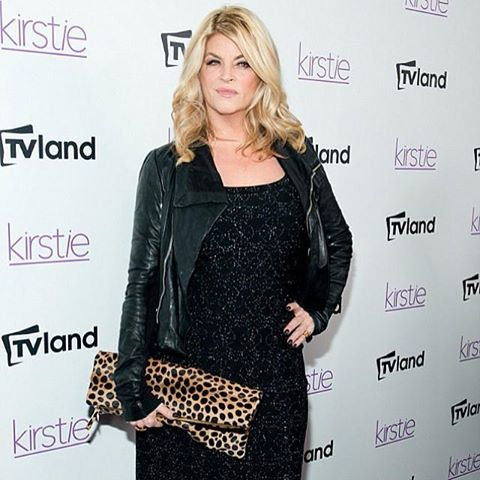 Kirstie Alley wallpaper probably containing a well dressed person, a cocktail dress, and an overgarment called Kirstie Alley