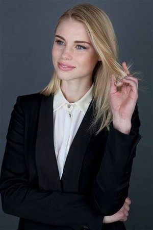 Lucy Fry promo foto