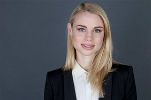 Lucy Fry promo 사진