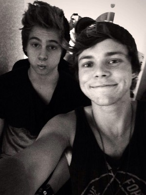 Lashton photo