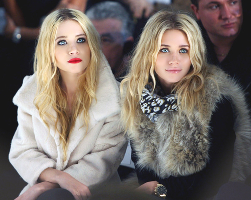 Mary-Kate & Ashley Olsen wallpaper with a bulu mantel titled mary-kate and ashley