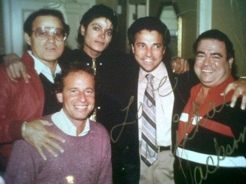 Frank Dileo and Michael with 프렌즈 Teddy,Jerry,Freddie