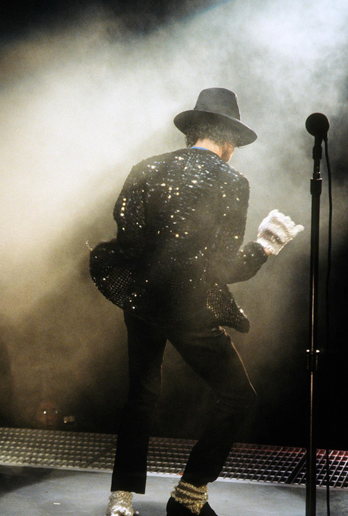 **** The King Onstage ***