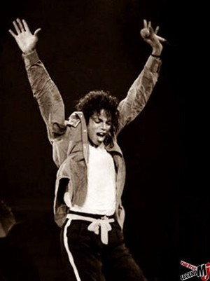 MJ Bad Tour Onstage