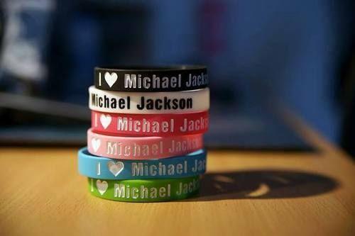 """I cinta Michael Jackson"" Bracelets"