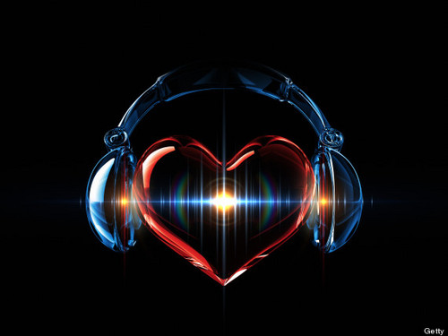 Musica wallpaper called cuore with Headpohones