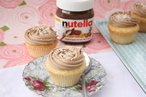 Nutella Hintergrund containing a cupcake, pfannkuchen, and a cream cheese entitled cup cake and nutella-----