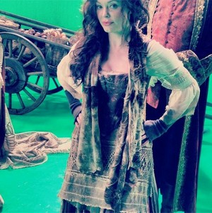 Rose McGowan - Behind the Scenes