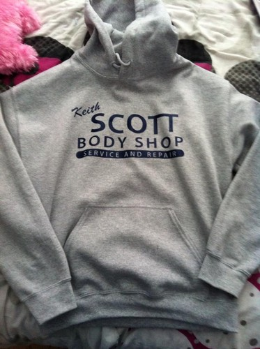 QueenCordelia achtergrond containing a sweater, sweatshirt entitled My new OTH sweater! :D