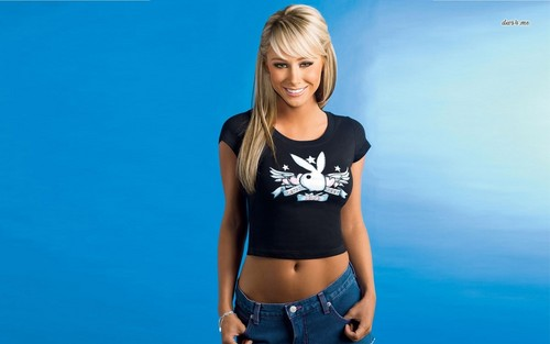 Sara Jean Underwood wallpaper possibly containing a jersey and hot pants titled Sara Jean