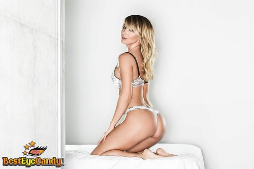 Sara Jean Underwood wallpaper probably with skin titled Sara Jean<3