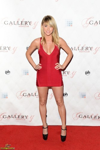 Sara Jean Underwood wallpaper possibly containing a leotard, tights, and a portrait titled Sara Jean<3