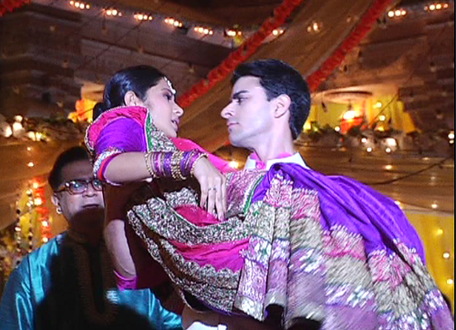 Saraswatichandra (TV series) karatasi la kupamba ukuta probably with a kimono entitled samud upendo