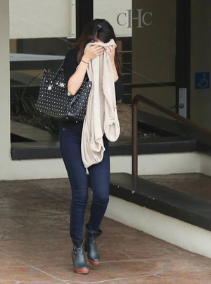 Selena out in LA - January 30th