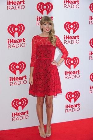 Taylor 빠른, 스위프트 Red Carpet