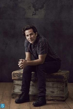 The 100 | Season 1 | Cast Promotional चित्रो | Set 1 - Comic Con