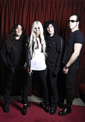 The Pretty Reckless wallpaper containing a business suit titled The pretty reckless