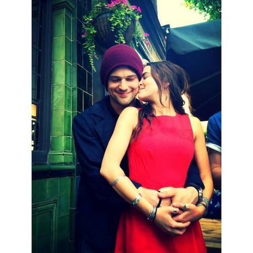 The Vampire Academy Blood Sisters वॉलपेपर with a कॉकटेल dress called Zoey and Danila