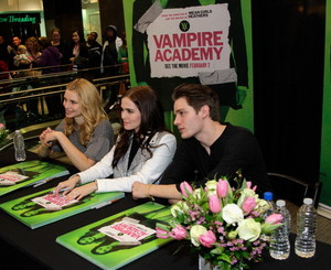 Cast signing in Houston