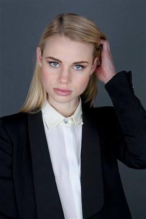 Cast's Vampire Academy Portraits