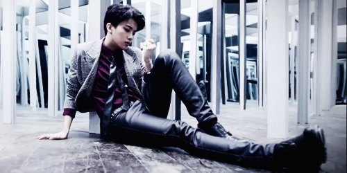 Youngjae wallpaper with a business suit, a well dressed person, and a hip boot entitled Youngjae - 1004(Angel) MV