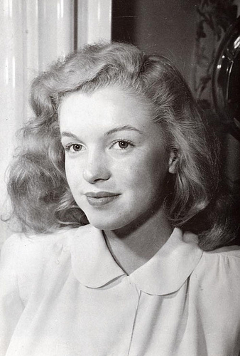 Мэрилин Монро Обои probably containing a portrait entitled norma jean baker -rare фото