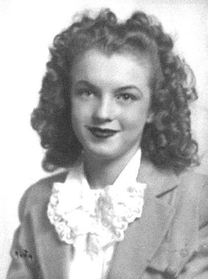 Marilyn Monroe norma jeane baker-1941 - norma-jeane-baker-1941-marilyn-monroe-tribute-36589385-420-562