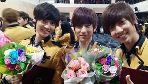 Youngmin, Kwangmin, and Minwoo graduate from high school!