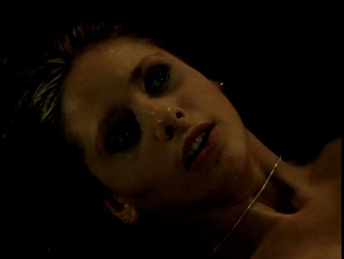 Buffy Summers karatasi la kupamba ukuta entitled Buffy Summers Screencaps