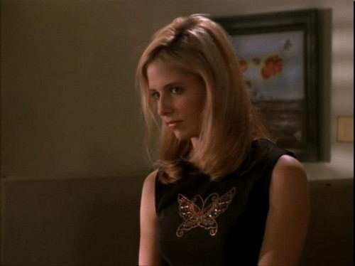 Buffy Summers wallpaper with a portrait entitled Buffy Summers Screencaps
