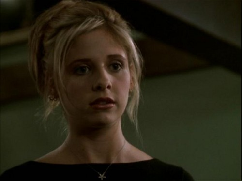 Buffy Summers wallpaper containing a portrait called Buffy Summers Screencaps