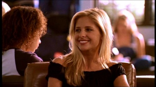 Buffy Summers hình nền with a portrait called Buffy Summers Screencaps