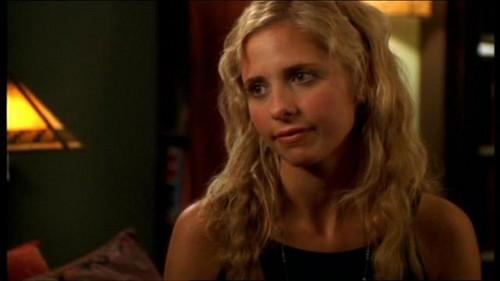 Buffy Summers karatasi la kupamba ukuta containing a portrait titled Buffy Summers Screencaps
