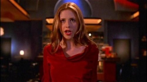 Buffy Summers hình nền possibly containing a shirtwaist titled Buffy Summers Screencaps