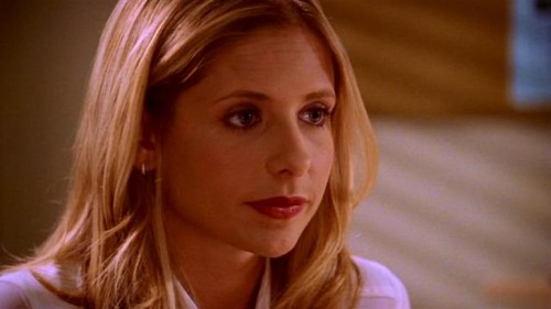 Buffy Summers wallpaper containing a portrait entitled Buffy Summers Screencaps