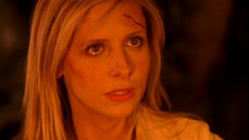 Buffy Summers karatasi la kupamba ukuta containing a portrait titled Buffy Summers Screencaps