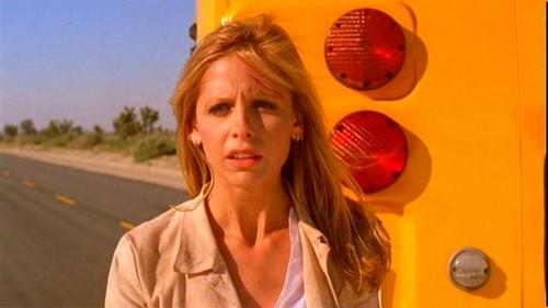 Buffy Summers hình nền probably containing a cách vận chuyển, tuyến called Buffy Summers Screencaps