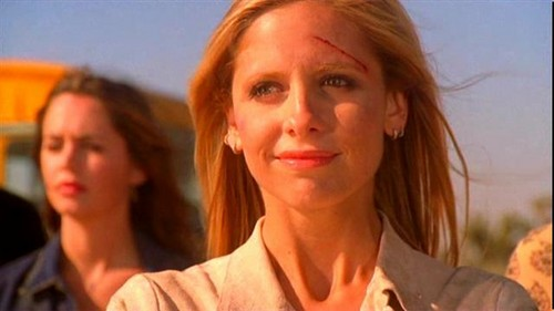 Buffy Summers wallpaper possibly containing a portrait entitled Buffy Summers Screencaps