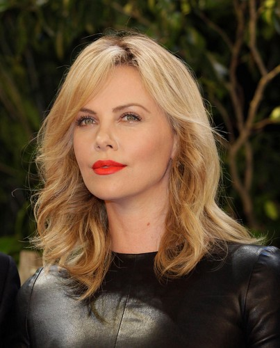 Charlize Theron wallpaper possibly with a portrait entitled * charlize *