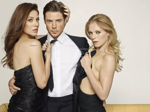 Dallas Tv Show wallpaper possibly containing a business suit, a suit, and a well dressed person titled John Ross, Pamela and Emma