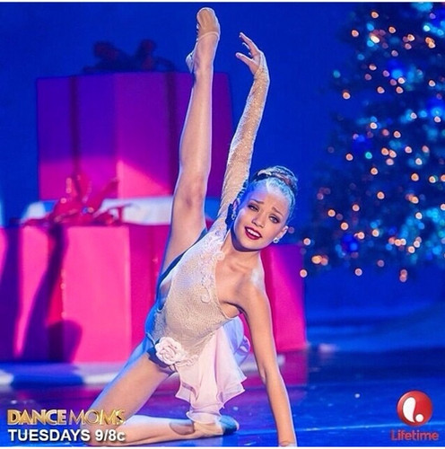 Dance Moms hình nền called Maddie Ziegler