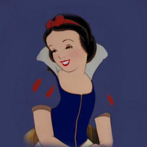 Snow White संपादन करे