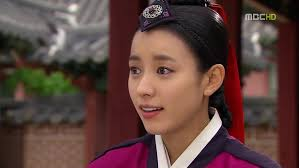 Choi DongYI as courtmaid