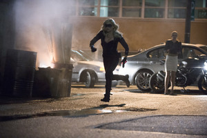 "Arrow: Official afbeeldingen From ""Time Of Death"""