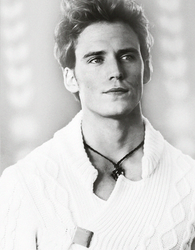 Finnick Odair kertas dinding called Finnick Odair